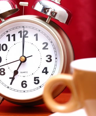 3 Ways to Wake Up on Time (Even if You're Not a Morning Person)