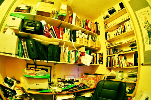 Messy Desk vs. Clean Desk: Which Is Better?