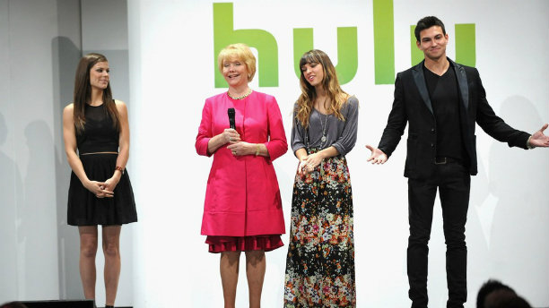 Salary and Career News Round Up: Twitter Goes Abroad, Hulu Isn't Selling and Crazy Resumes