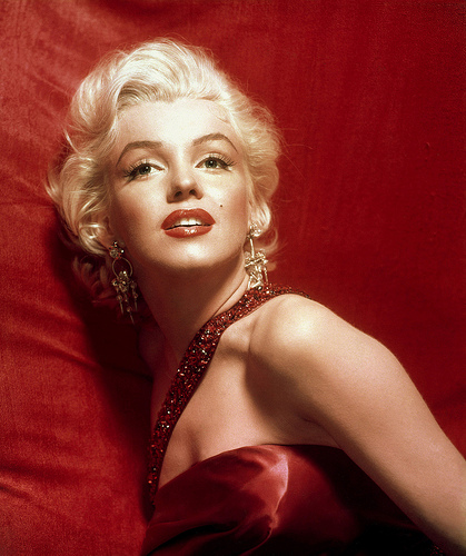 What's Trending on Twitter: #TwitterSilence, #MarilynMonroe, and #SocialMedia