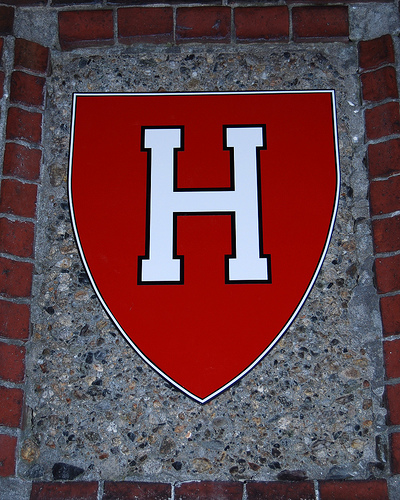 Harvard Offers Free Tuition to Low-Income Students